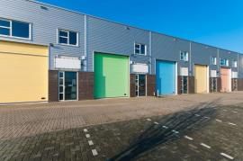 Why And How To Use Self Storage in Battersea?